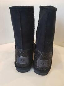 LADIES BLACK/GLITTER UGG BOOTS