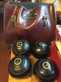 4 x Lawn Bowls, Size 5, BIBC A92 Official, with leather bag
