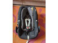 Maxi-Cosi Pebble Plus Car Seat plus New Born Inlay (Used in Good Condi
