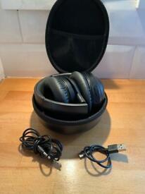 Noise cancelling Wireless headphones