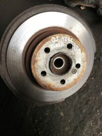 05 MERCEDES E CLASS FRONT AND BACK HUB AVALIABLE