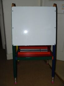 Child's 'pencil' painting easel and blackboard (folding)