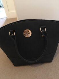 Ladies handbag and purse set