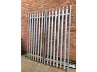Pallisade gates