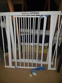 Lindam safety gate x2