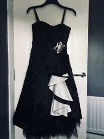 Debute Prom dress / evening dress. Size 10 Black and white midi.