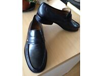 VERY COMFORTABLE BLACK SOFT LEATHER MENS SHOES, WORN ONCE SO IN NEW CONDITION SIZE 9