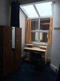 Swansea student accommodation 1 room,14 Pantygwyder road