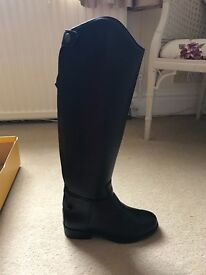 Saxon tall black riding boots size 3