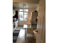 $$$ Double/Twin room available now in a lovely house $$$ only £170pw with all bills included
