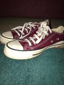 Dark red converse size 5