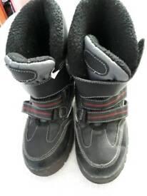 Boys Spider Man Winter boots Size 1