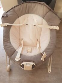 Bouncing chair very good condition