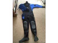drysuit Typhoon size M boots 8
