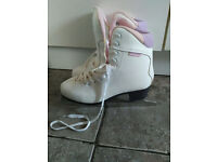 Ladies ice skates fit for size 6