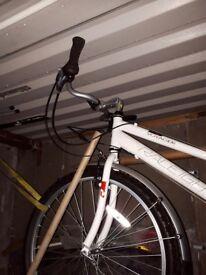 Ladies raleigh voyager bicycle