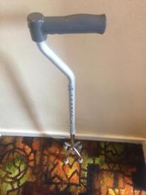 Adjustable walking aid