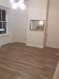 2 Bedroom spacious flat to let completely unfurnished and recently renovated with box room