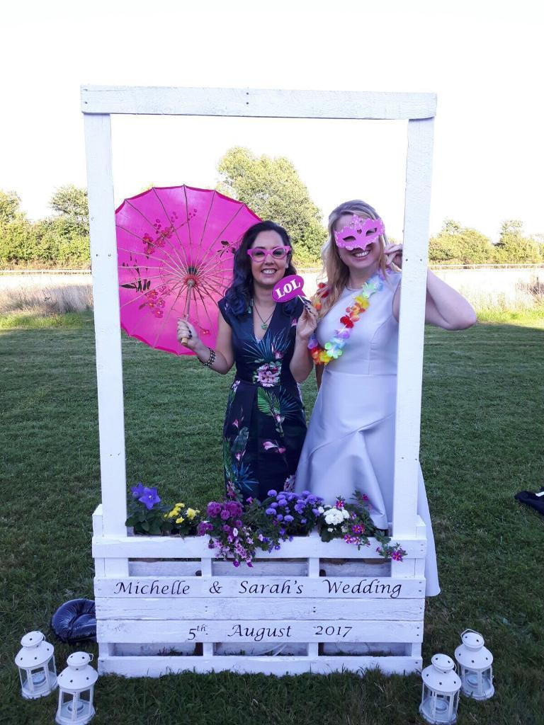Wooden pallet large photo booth style frame - wedding, party | in ...
