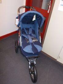 Fixed wheel 3 wheeler pushchair