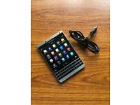 Blackberry Passport 32gb Unlocked Black Like new and in full working order