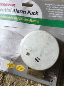 Lifesaver Smoke Alarms including batteries x 10