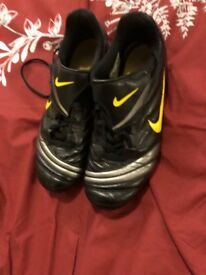 Size 5 football boots Nike