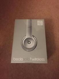 BRAND NEW SEALED Beats Solo 2 wireless headphones