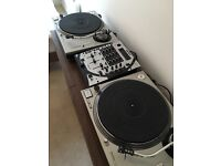 2 X Technic 1200 Turntables & Gemini Mixer (missing power cord)