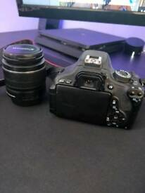 Canon 600D with two lenses