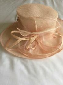 Hat Blush colour
