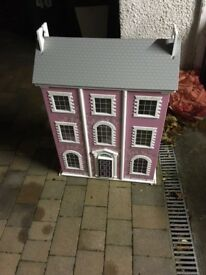 Dolls house for small dolls