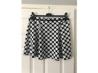 Black & White Spotted Summer Skirt Small Size 14