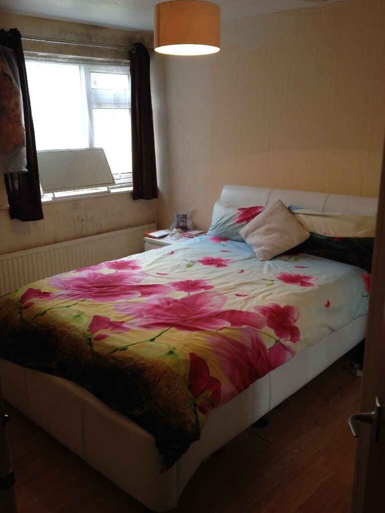 2 BED FLAT ILFORD. 8 MIN WALK STATION. MUST SEE. £1200 (EXCLUDING BILLS)