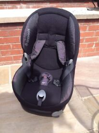Maxi Cosi Priori car seat in black and grey.