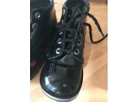 Kickers ankle boots black