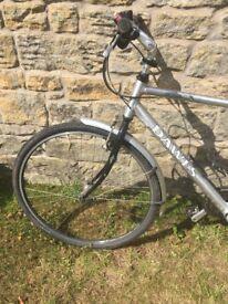 Dawes Karakum touring bike with straight handlebars