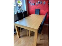 Oak Dining Table with 4 dining chairs