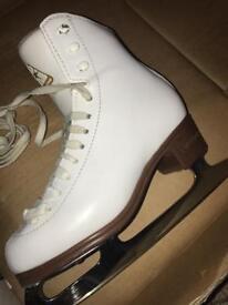 Jackson mystique ice skates size 2