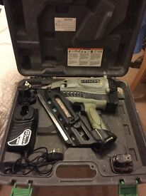 Hitachi NR 90gc2 90mm framing nail gun