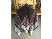 Square shawl