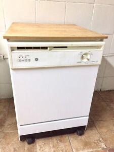 Dishwasher with casters+delivery possible