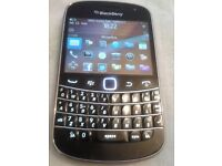 BlackBerry Bold 9900 - 8GB - AZERTY Black (Unlocked) Good Clean Condition
