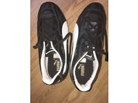 Used Puma Rugby boots in very good condition. Uk size 5 black and white.