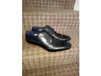 Mens black formal shoes (size 8)
