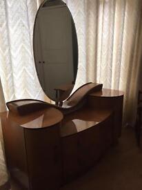 Art Deco dressing table £100
