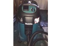MAKITA HOOVER, NEW, WET AND DRY VACUUM