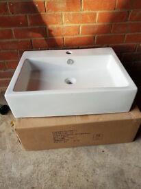 Bathroom basin / sink