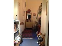 Double room opposite the Meadows in 5 bed flat to let! £376.80 inc. CT & Internet!