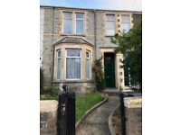 Very Large 5/6 Bedroom Family House Available Now £1100pcm